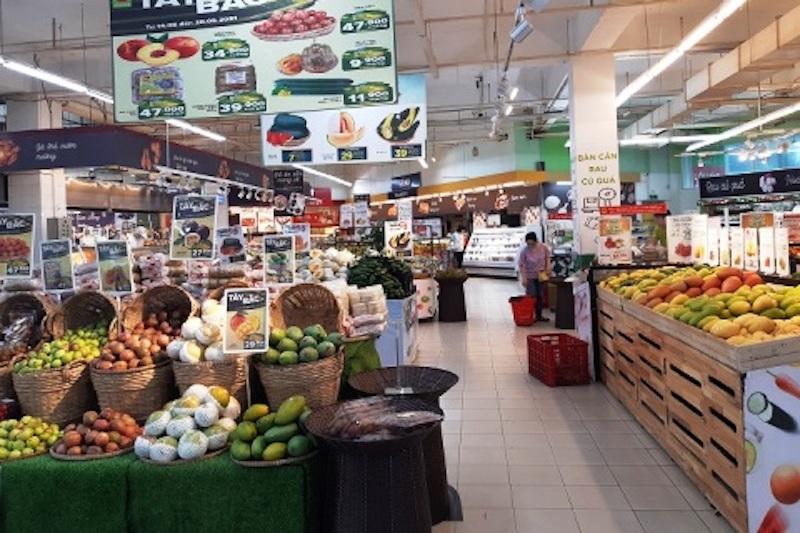Nguồn hàng tại các chợ, siêu thị luôn đủ cung ứng cho người dân trong mùa dịch