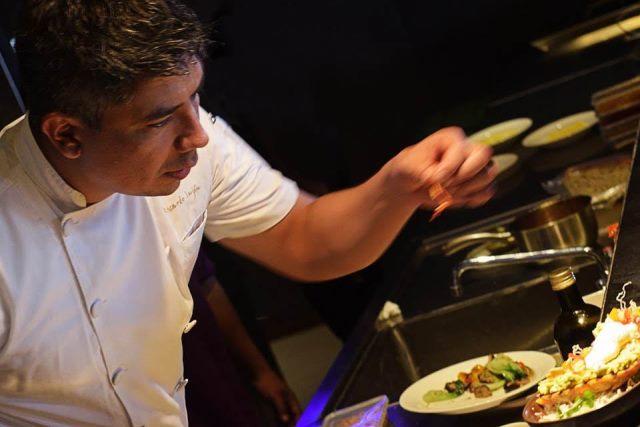Sự kiện còn có sự tham gia của Bếp trưởng Ricardo Luján của khu nghỉ dưỡng Azerai Cần Thơ.