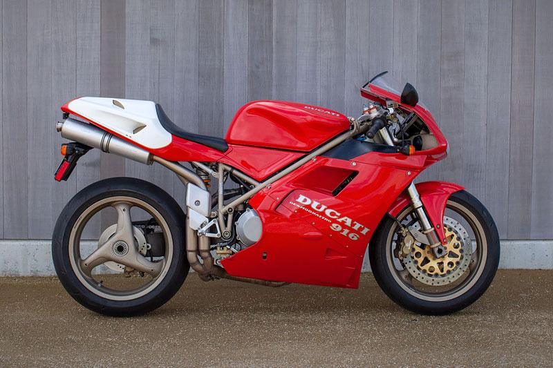 5. Ducati 916.