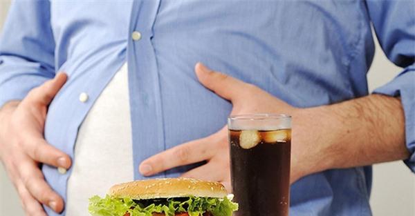 Gan thận, tim mạch bị tàn phá nặng nề bởi những sai lầm khi ăn trưa nhiều người mắc phải