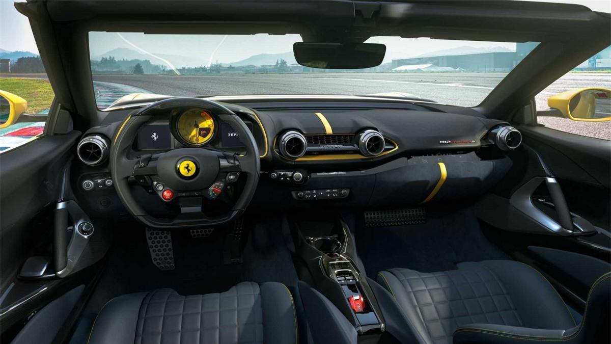 Hiện giá bán và số lượng giới hạn của mẫu siêu xe V12 mui trần này vẫn chưa được Ferrari công bố./.