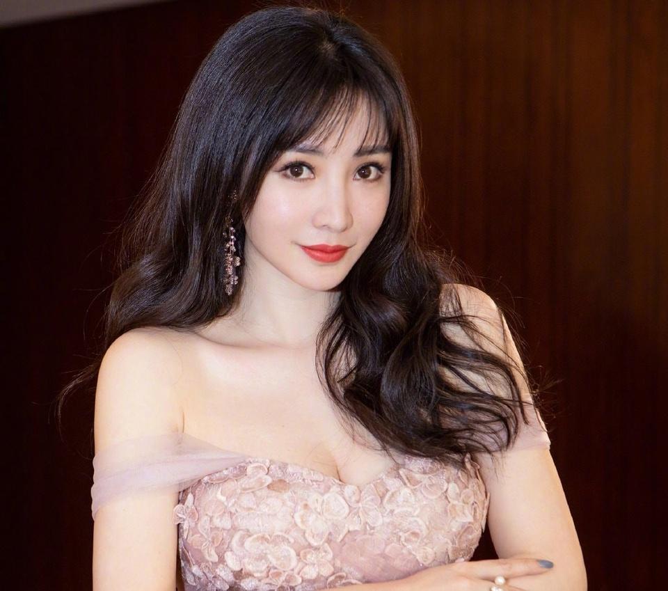 Liễu Nham không muốn yêu bừa cưới vội. Ảnh: Weibo