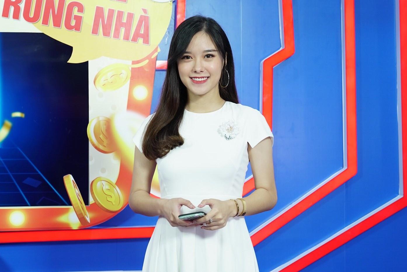 Chử Phương Thúy gắn bó với nghề MC truyền hình 7 năm nay.