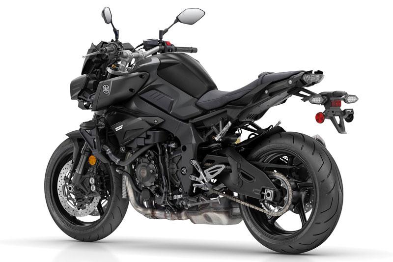3. Yamaha MT-10 (giá: 13.000 USD).