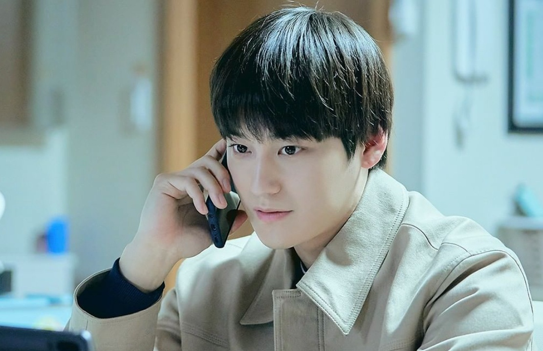 Trên nhiều diễn đàn về phim ảnh, khán giả khen ngợi tạo hình mới của Kim Bum. Với gương mặt thư sinh sẵn có, ngôi sao sinh năm 1989 trông không khác gì thanh niên 20 tuổi.
