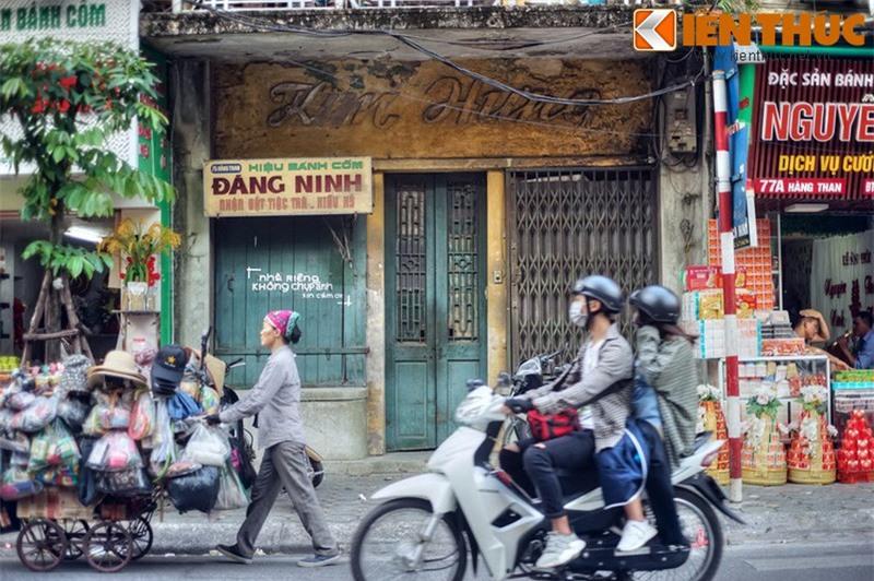 Kham pha an tuong ve con pho co dac san hot nhat Ha Noi-Hinh-23