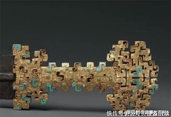 Lăng mộ khai quật được chuôi kiếm vàng ròng nặng 6kg nhưng các chuyên gia chỉ quan tâm đến đống sắt vụn bên cạnh! - Ảnh 3.
