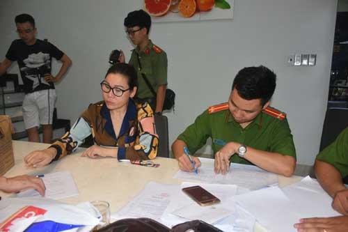 Công an thị xã Phú Mỹ làm việc với bà Lâm Thị Thu Trà.