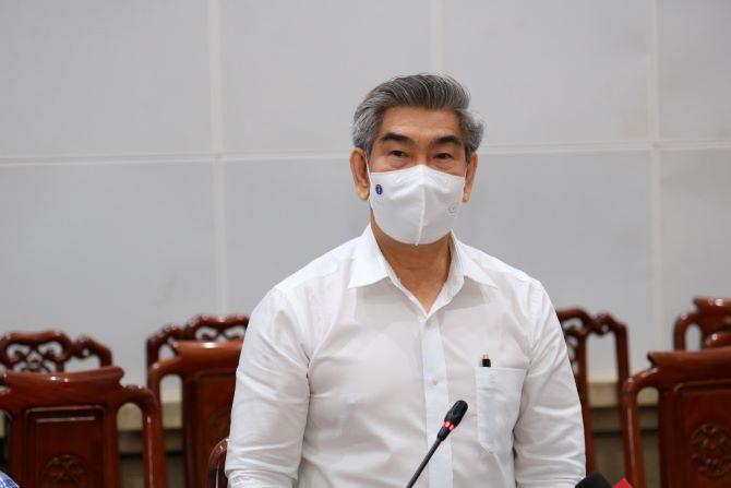 Ông Trần Thanh Thảo, Giám đốc Sở Y tế tỉnh phát biểu tại cuộc hợp.