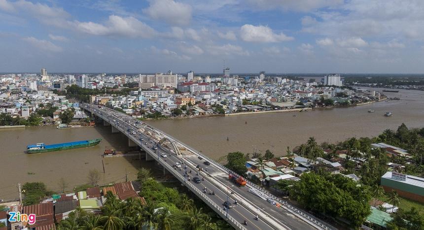 Thành phố lớn nhất miền Tây là Cần Thơ với diện tích hơn 1.400 km2, dân số hơn 1,2 triệu người. Cần Thơ cũng là thành phố trực thuộc Trung ương duy nhất ở miền Tây. Ảnh: Phạm Ngôn.