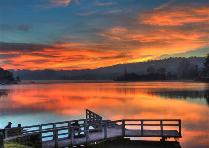 Hồ Xuân Hương nguyên là thung lũng có dòng suối Cam Ly chảy qua, nơi quần tụ của các cư dân Lạch buổi ban đầu. Ảnh: BestPrice.