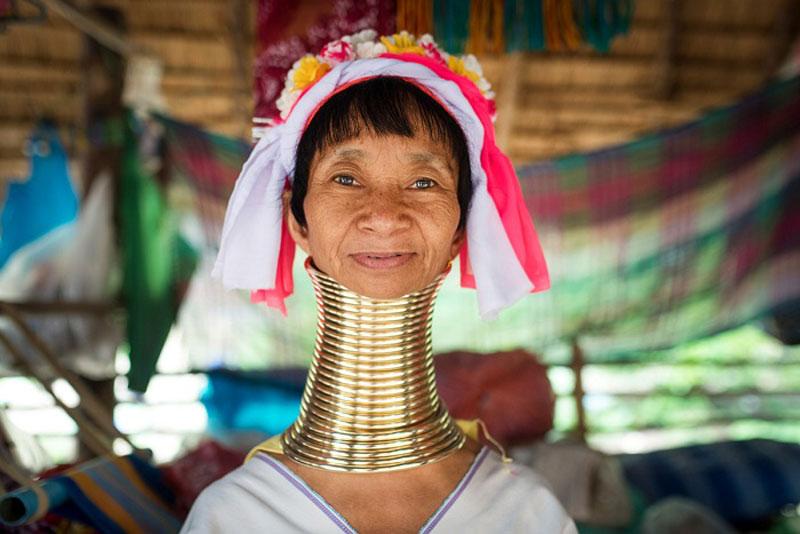 Người phụ nữ ở làng Karen. Ảnh:dulichvietnam.com.vn