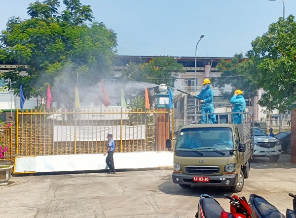Phun thuốc khử khuẩn tại các doanh nghiệp trong KCN Dchj vụ thủy sản Đà Nẵng như Công ty Bắc Đẩu...