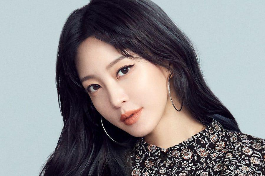 Han Ye Seul từng là hình mẫu được nhiều phụ nữ Hàn lựa chọn khi muốn phẫu thuật thẩm mỹ.