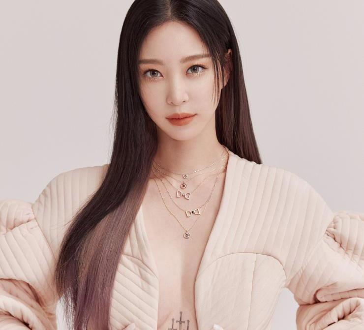 Thời kỳ hoàng kim trong sự nghiệp của Han Ye Seul rơi vào thập niên 2000. Ảnh: Cosmopolitan.