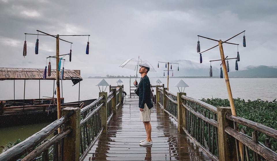 Huyện Lắk thuộc tỉnh Đắk Lắk, nằm về phía đông nam tỉnh này. Tên huyện cũng chính là tên một hồ nước ngọt tự nhiên nổi tiếng ở đây - hồ Lắk, có diện tích hơn 500 ha, theo tư liệu của Bảo tàng Đắk Lắk. Ảnh: Hoàng Tuấn Anh.