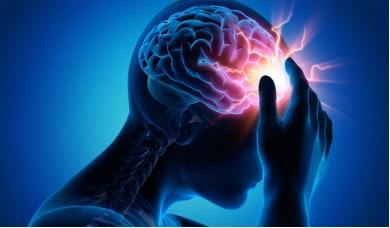 Đau đầu là triệu chứng đầu tiên của thiểu năng tuần hoàn não.