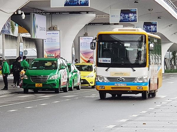 UBND TP Đà Nẵng cho phép taxi, grab, shipper... hoạt động trở lại từ 6 giờ sáng 28/5, nhưng xe buýt thì vẫn tạm dừng cho đến khi có thông báo mới