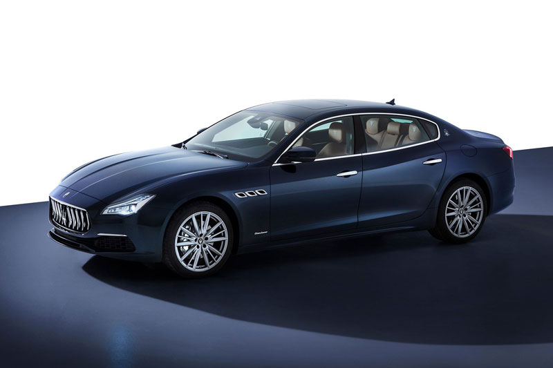 10. Maserati Quattroporte.