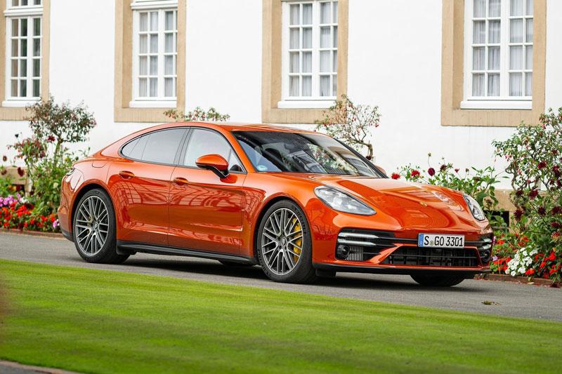 3. Porsche Panamera.