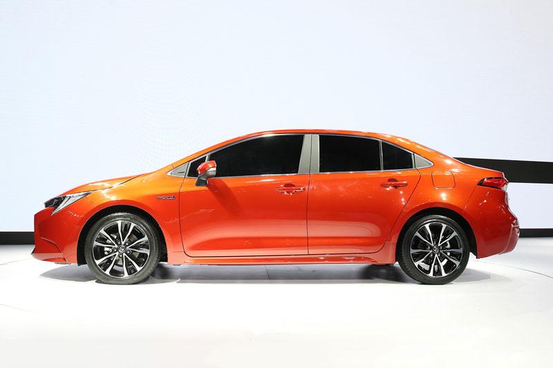 8. Toyota Levin (doanh số: 63.203 chiếc).