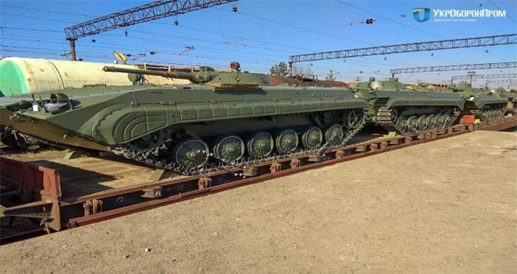 Bi an tung tich 1.800 thiet giap BMP-1 cua Ukraine-Hinh-14