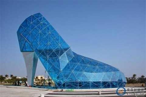 Nhà thờ này được xây dựng với kinh phí đầu tư lên tới 15 tỷ đồng