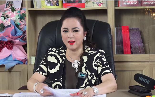 """Nữ đại gia Nguyễn Phương Hằng đã gây """"bão mạng"""" trong thời gian qua gây nhiều tranh cãi trái chiều."""
