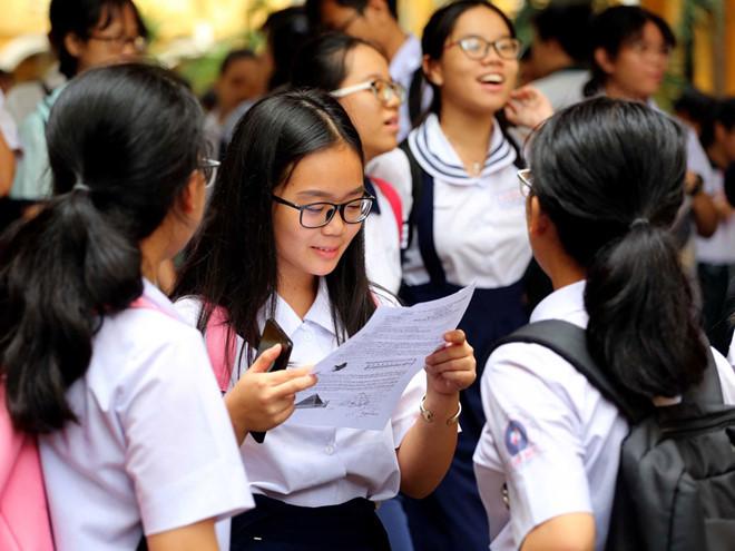 Kỳ thi vào lớp 10 tại TP.HCM bị hoãn do dịch.