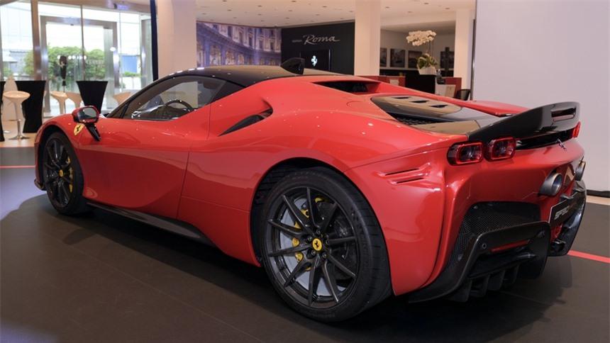 Ferrari SF90 Stradale ra mat anh 2