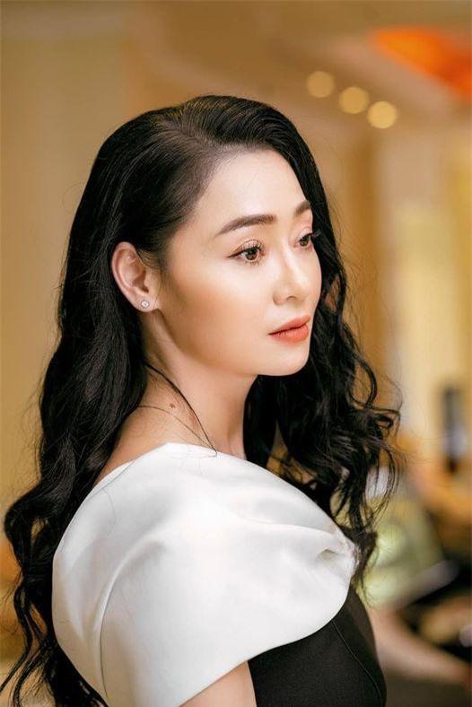Quách Thu Phương 'ăn bám' trong phim, ngoài đời là 'nữ siêu nhân' ảnh 1