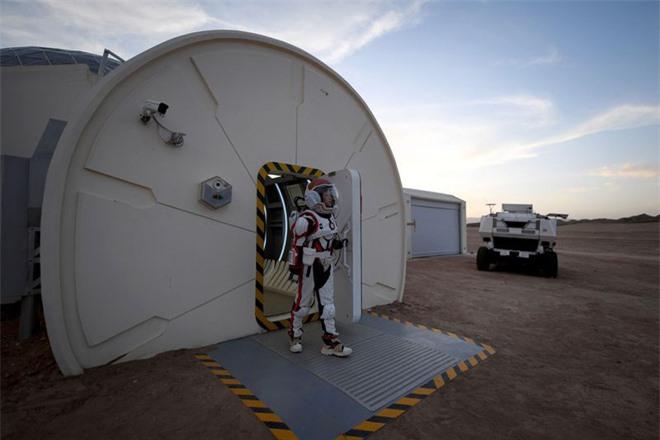 Tham vọng đưa con người lên Sao Hỏa của Elon Musk có thể sẽ là nhiệm vụ mạo hiểm nhất của nhân loại - Ảnh 4.