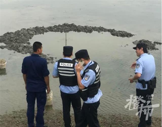 UFO rơi xuống ao cá ở Trung Quốc - Tại sao 5 ngày qua vẫn chưa thể trục vớt? - Ảnh 2.