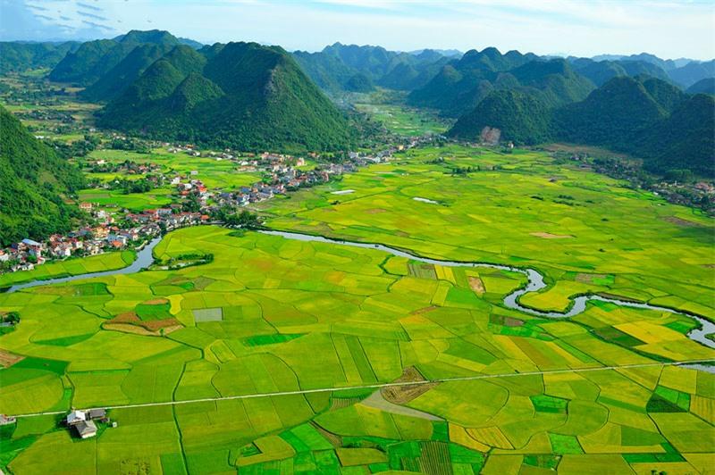Nó không chỉ nổi tiếng là địa danh lịch sử mà còn được biết đến là một thung lũng trù phú với cảnh sắc đẹp mê hồn. Ảnh: Diem Dang Dung.