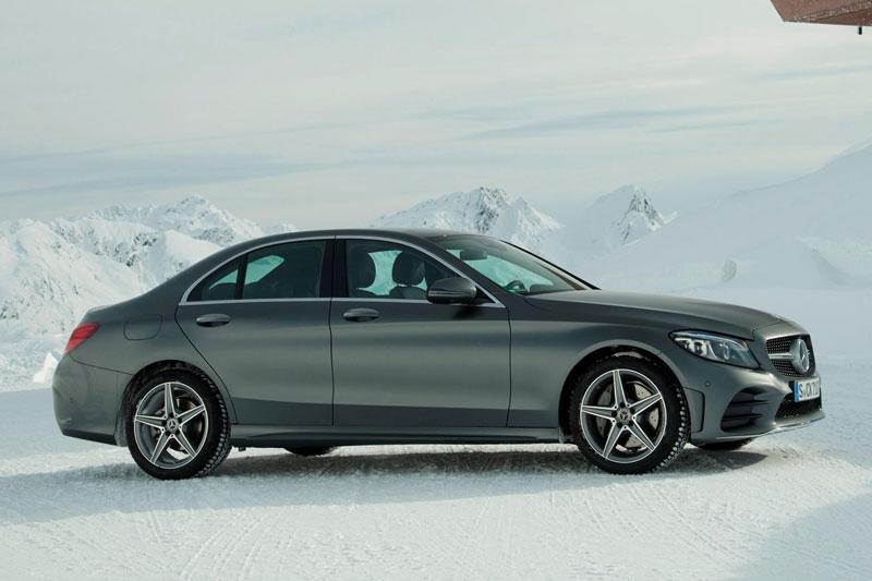 8. Mercedes-Benz C-Class (doanh số: 81.108 chiếc).