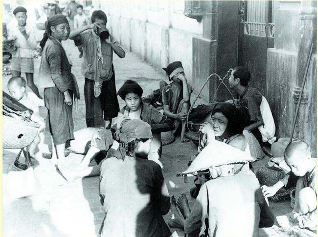 Gánh hàng rong và tiếng rao trên phố Hà Nội xưa - Ảnh 2.