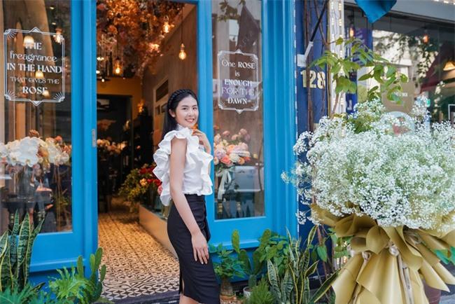 Hoa hậu Ngọc Hân, Đỗ Mỹ Linh và dàn mỹ nhân trổ tài cắm hoa - Ảnh 3.