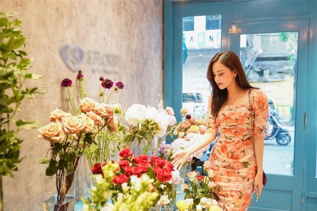 Hoa hậu Ngọc Hân, Đỗ Mỹ Linh và dàn mỹ nhân trổ tài cắm hoa - Ảnh 5.