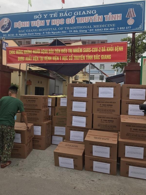 Những phần quà của Sao Thái Dương được gửi tặng cho Bệnh viện Y học cổ truyền tỉnh Bắc Giang.