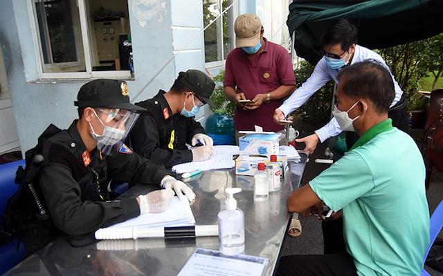 Chốt kiểm soát dịch Covid-19 trên đường cao tốc TP Hồ Chí Minh – Long Thành – Dầu Giây, đoạn thuộc địa phận tỉnh Đồng Nai.