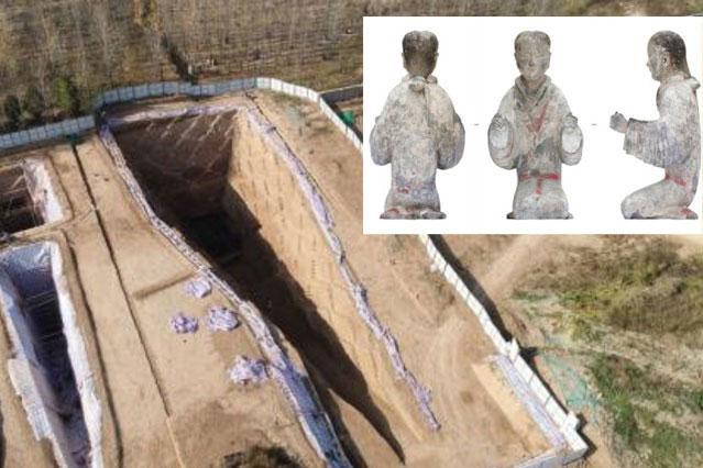 Các tượng gốm được tìm thấy trong khu khảo cổ.