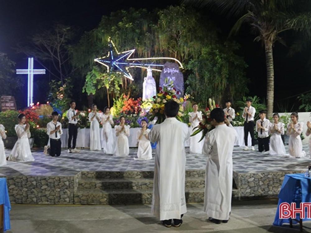 Tối 1/6 Linh mục Bùi Khiêm Cường tổ chức ngày Quốc tế Thiếu nhi và khánh thành thư viện sách thiếu nhi thánh thể