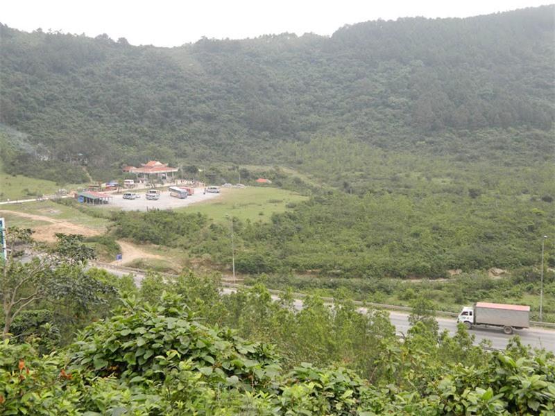 Không chỉ có cảnh đẹp, sơn thủy hữu tình, đèo Ngang còn giữ vai trò quan trọng trong việc hình thành các miền khí hậu Việt Nam. Ảnh: Đào Việt Dũng.