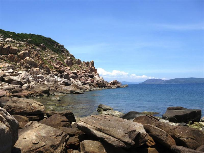Biển Gành Đèn. Ảnh: Phạm Đình Quang.