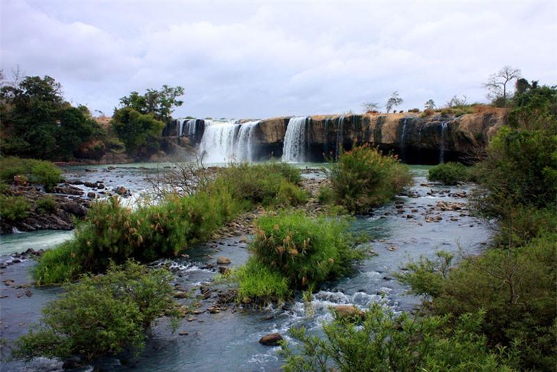 Thác Đray Nur là thác trung nguồn nằm trong hệ thống 3 thác: Gia Long - Đray Nur - Dray Sáp của sông Serepôk, tỉnh Đắk Nông. Ảnh: Vnphoto.