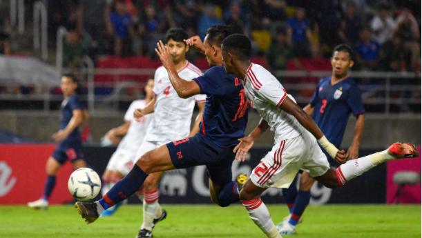 Đội tuyển UAE và Thái Lan.