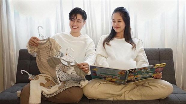 An Nguy comeback vlog, kể hết về cuộc sống bỉm sữa với người yêu đồng giới: Làm mẹ như chơi Ai Là Triệu Phú - Ảnh 6.