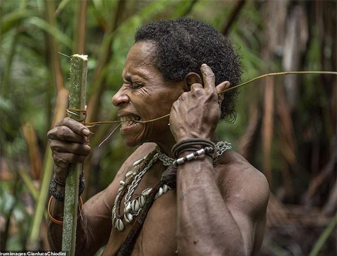 Hình ảnh hiếm hoi về người Korowai - bộ lạc mà thế giới suýt không biết đang tồn tại - Ảnh 10.