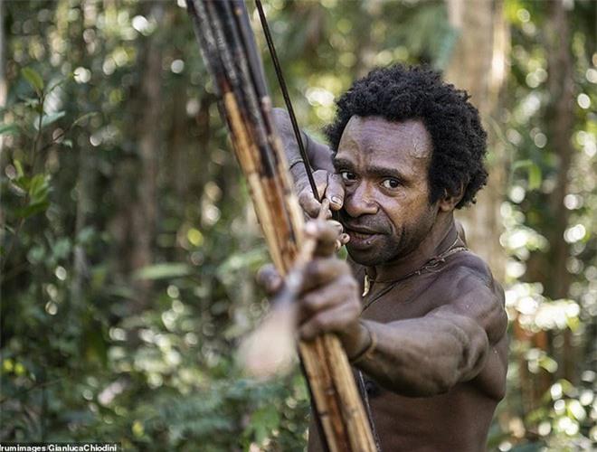 Hình ảnh hiếm hoi về người Korowai - bộ lạc mà thế giới suýt không biết đang tồn tại - Ảnh 9.