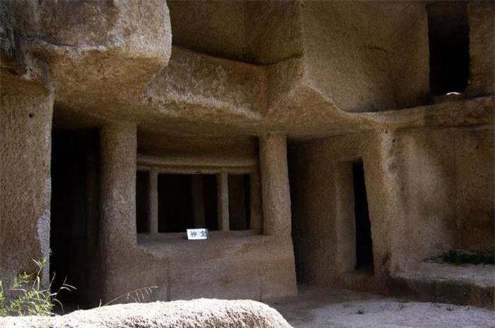 Kỳ lạ hang động bị bỏ hoang gần Vạn Lý Trường Thành và bộ tộc bí ẩn 4